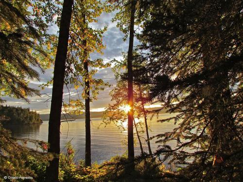 Sonnenaufgang am Babine Lake Kanada