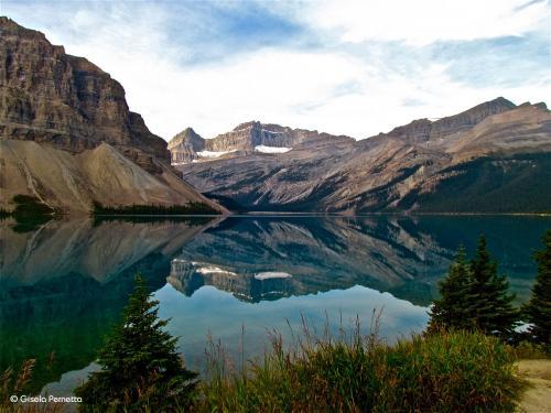Spiegelung am  Bow Lake - Kanada